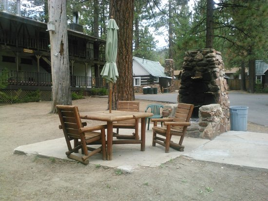 Black Forest Lodge: Sitting area