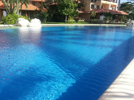 Chac Hal Al Condominiums: Pool
