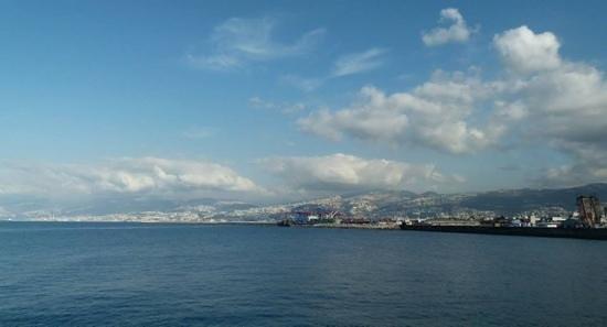 Al Mandaloun Sur Mer: la vue depuis la salle climatisee