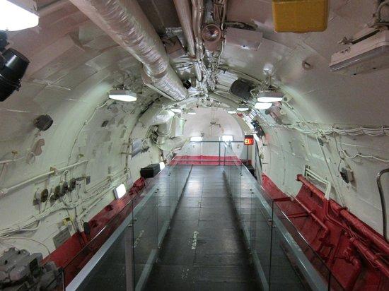 Intrepid Sea, Air & Space Museum : Cubierta del submarino