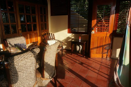 Villas Nicolas : Verandah view towards interior