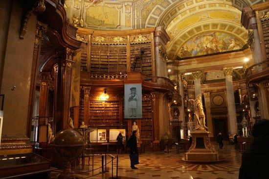 Nationalbibliothek: National Bibliothek