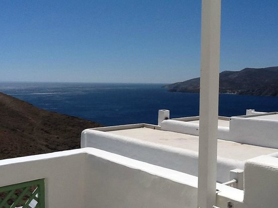Tholaria Boutique Hotel Astypalaia : view on Egean sea