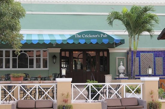 Sandals Royal Bahamian Spa Resort & Offshore Island: The Cricketers Pub