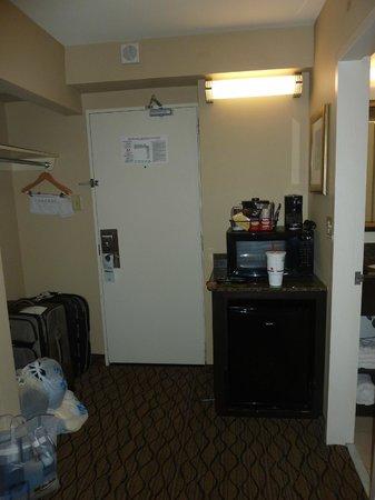 Holiday Inn & Suites Across from Universal Orlando: Habitación del hotel