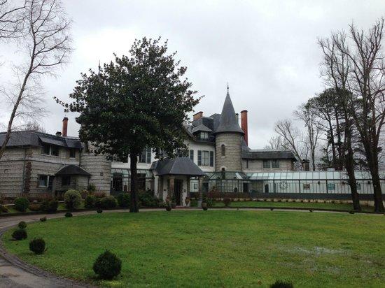 Hotel Villa Navarre : vue de l'entrée de l'hôtel / restaurant
