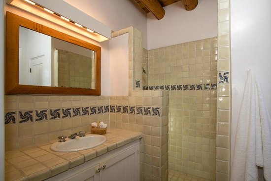 Campanilla Compound: Talavera tiled bathrooms/second full bath with walk-in shower