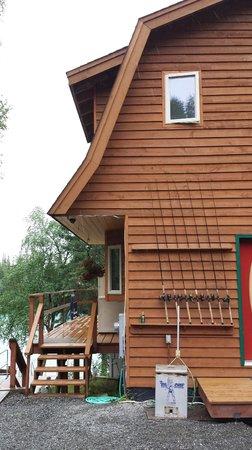 Bill White's Alaska Sports Lodge: The lodge.