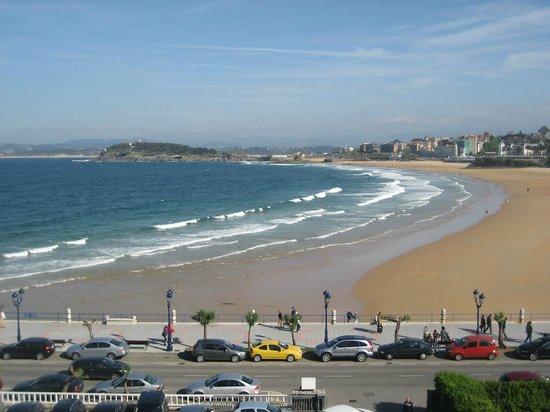 Hotel Chiqui: Strand vom ZImmer aus