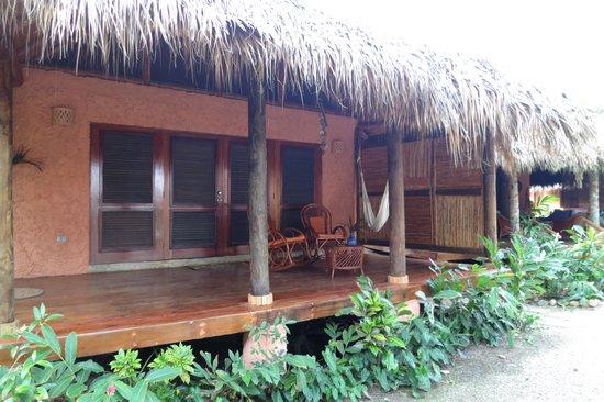 Natura Cabana Boutique Hotel & SPA: Front porch at Caracol