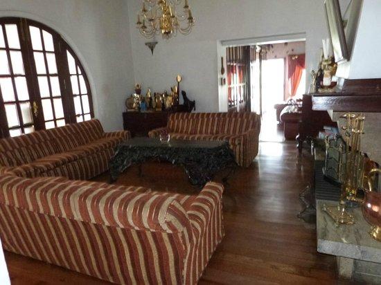 Glendower Hotel: lounge