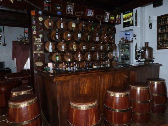 Glendower Hotel: bar