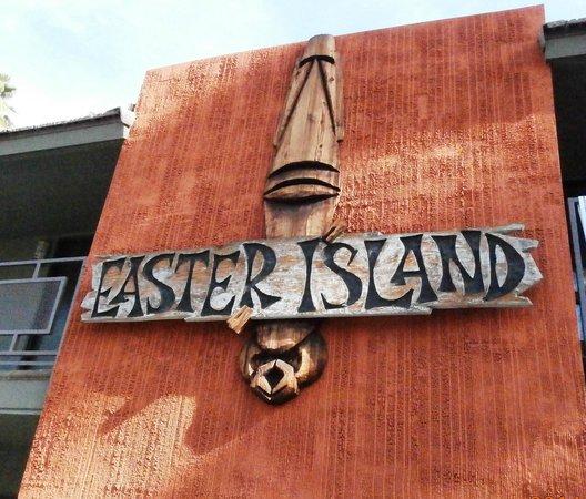 Caliente Tropics Resort: Wish we had gone to Easter Island instead!