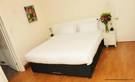 Brentwood Guesthouse: Double Room