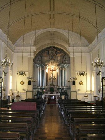 Our Lady of Penha: The nave.