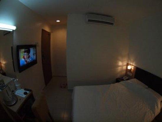 New Winner Hotel : テレビやエアコン