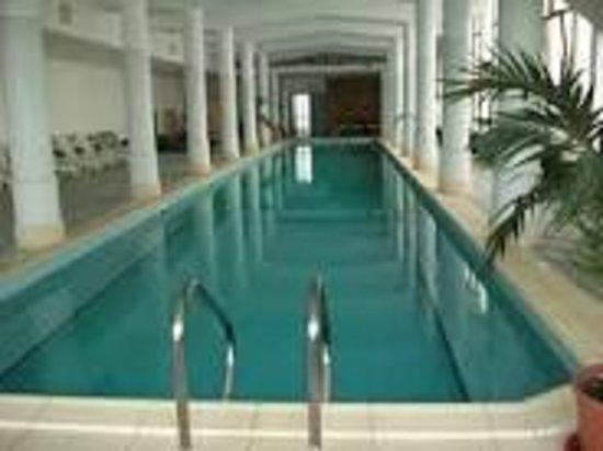 Hotel Alexander Palace : la piscina interna cadissima