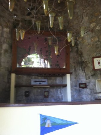 Harmony Hall Italian Restaurant : il bar, ricavato all'interno del mulino