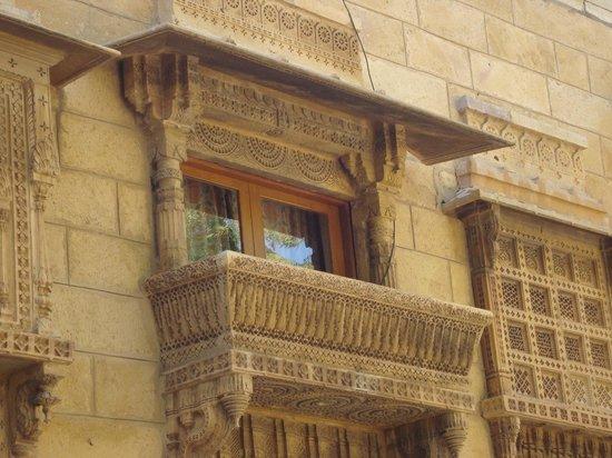 Narayan Niwas Palace: Balcony