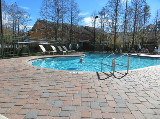 BEST WESTERN PREMIER Saratoga Resort Villas: Warm pool bliss