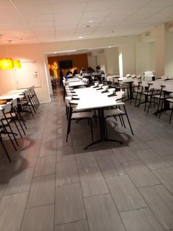 Oslo Hostel Central: Plenty of space to sit/eat