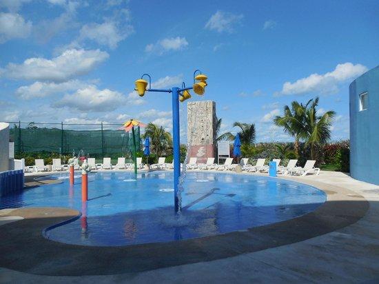 Azul Beach Resort Sensatori Mexico : Children's water park