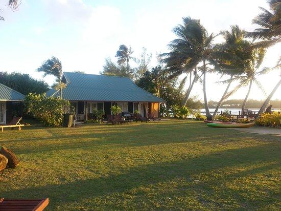 Muri Beachcomber: Beachside Bungalow