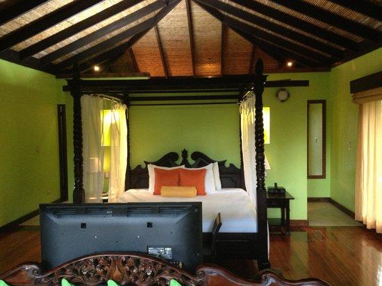 Rio Celeste Hideaway Hotel : Bed