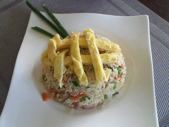 Touloulou Bar and Restaurant: Fried Rice! option spice or no spice