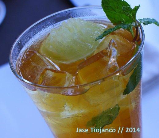 Seasonal Tastes : A very refreshing glass of lemon iced tea.