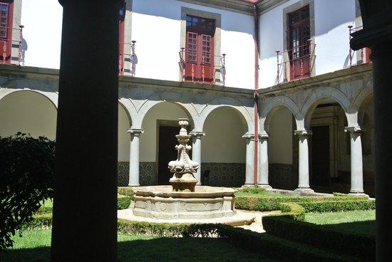 Pousada Mosteiro Guimarães: grounds