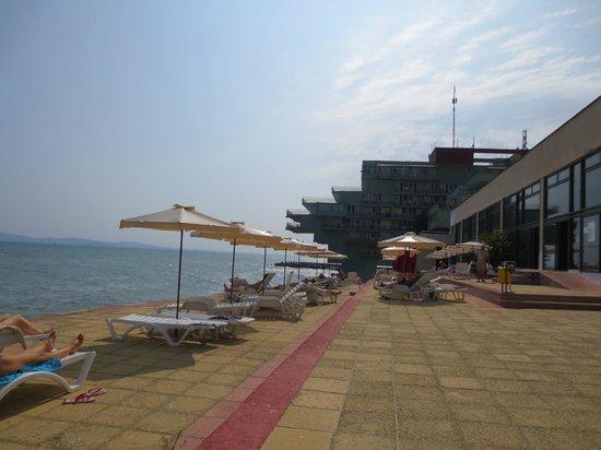 Pomorie Hotel: Пляж отеля