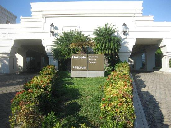 Barcelo Karmina : Driveway of Main Entrance