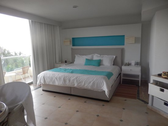 Sunscape Dorado Pacifico Ixtapa: Our room