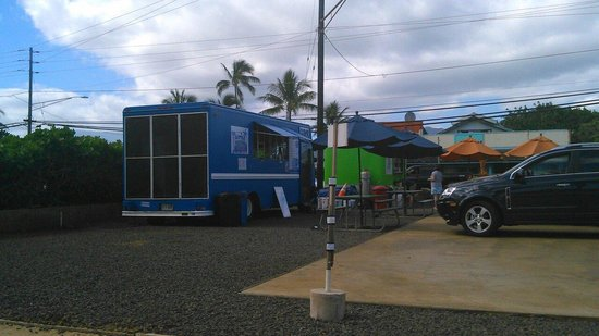 Little Greek Town: Blue truck