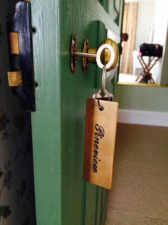 Mon Logis Bed and Breakfast: A room key with character