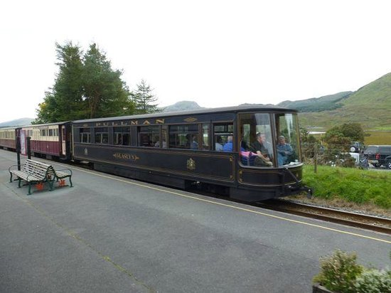 Welsh Highland Observation Coach - Picture of Ffestiniog