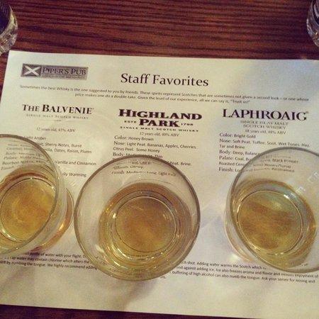Piper's Pub : Scotch flights. Amazing selection!