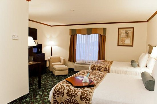 Executive Inn - Park Avenue Hotel: Two Double Bed Room