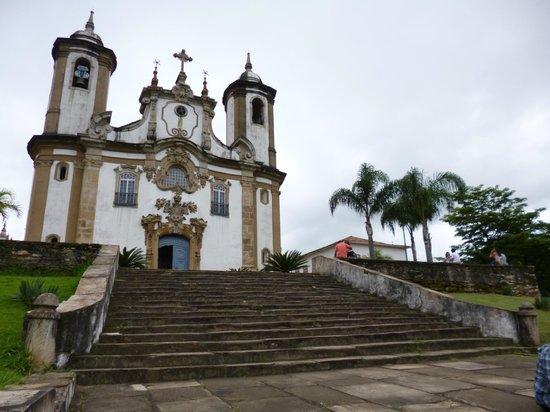 Igreja Nossa Senhora do Carmo: Fachada e escadaria