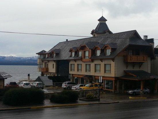 Cacique Inacayal Lake & Spa Hotel: hermoso hotel