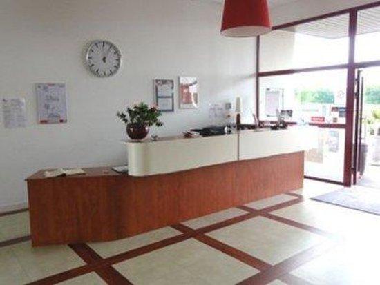 Plume Hotel: Reception Area