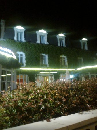 Hotel Normandie Auxerre : exterieure