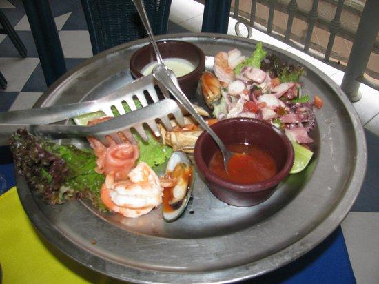 Hotel Riu Palace Riviera Maya: Steak and seafood restaurant called Chilis on premise