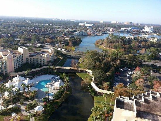 Hilton Orlando Buena Vista Palace Disney Springs : day time view