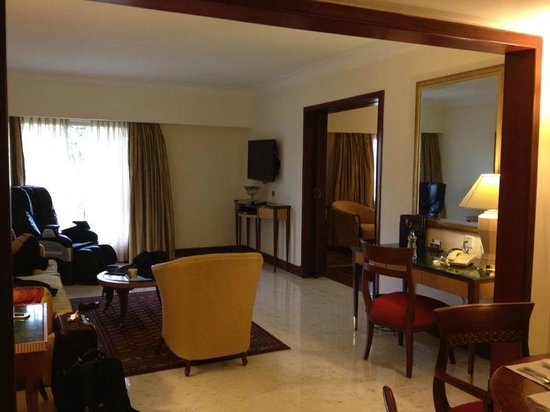 Royal Mughal Suite Living Room Picture Of Itc Mughal