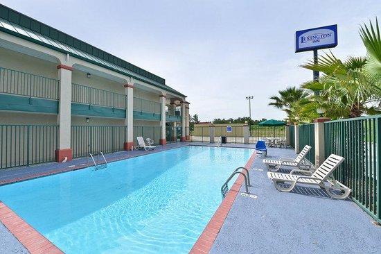 Lexington Inn - Hammond: Pool