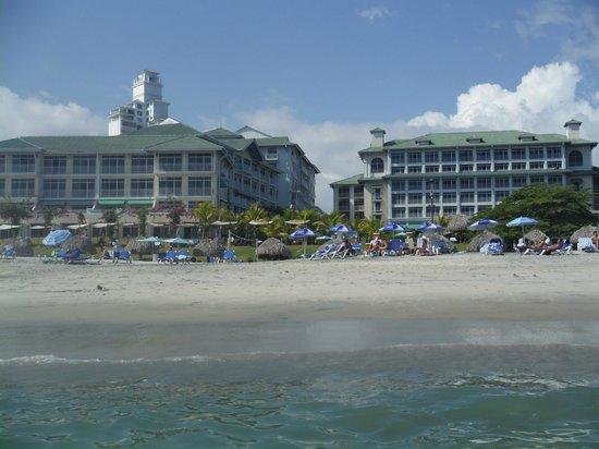 Sheraton Bijao Beach Resort: La Plage/l'hotel