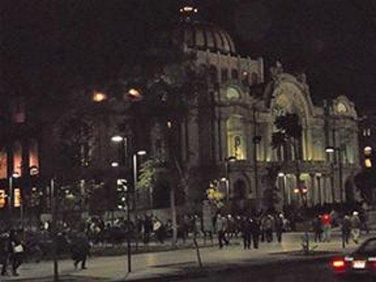 Hilton Mexico City Reforma: Palacio de Bellas Artes