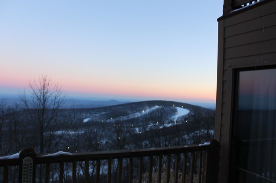 Wintergreen Resort: Over Looking the main resort